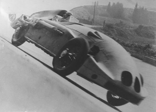 Kaye Don's Speed of the Wind at Brooklands he540